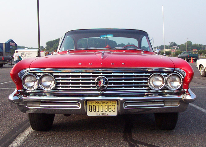 [Immagine: 1961-Buick-LeSabre-Hardtop-2.jpg]